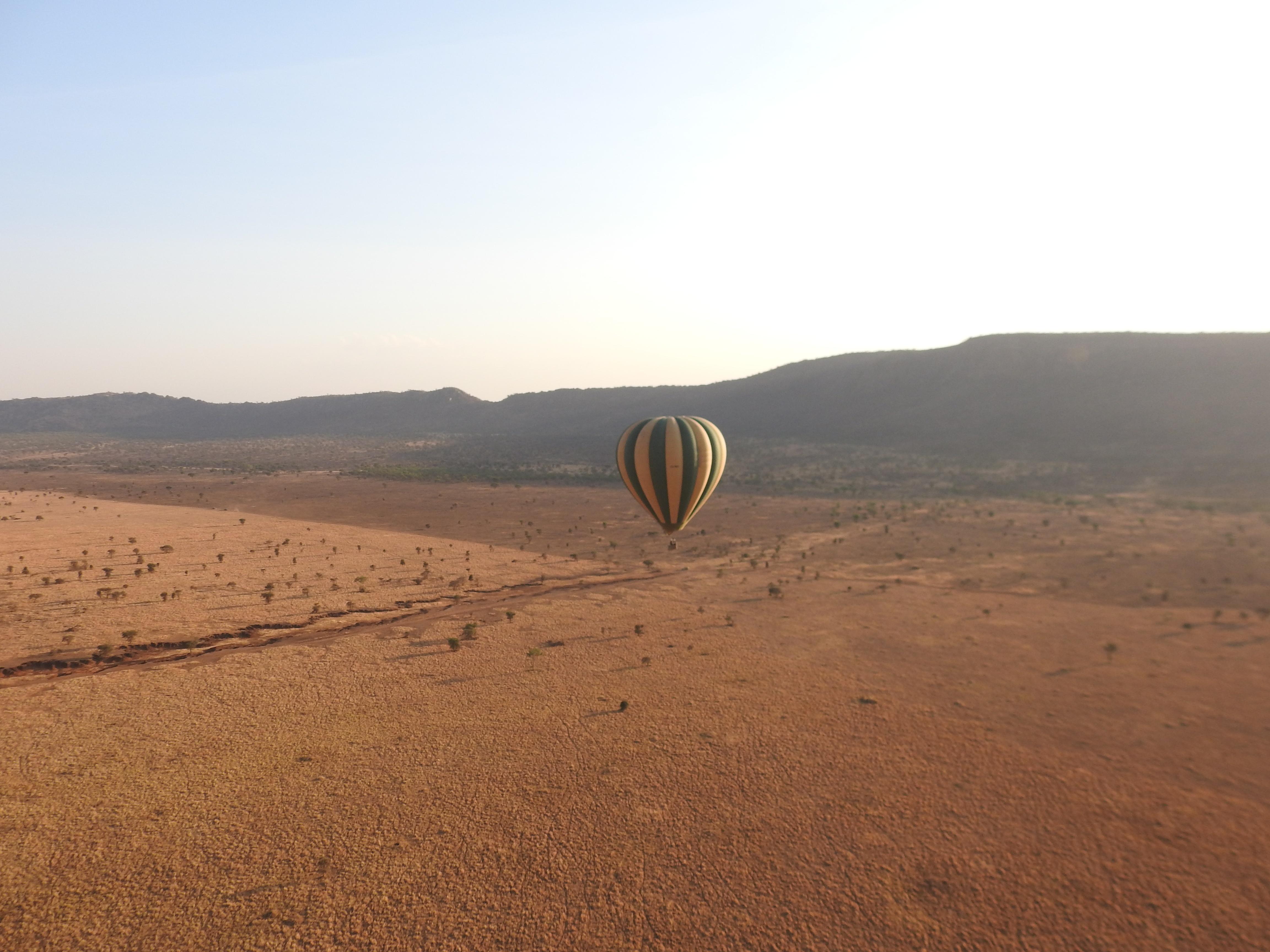 Balloon_and_vista.jpg