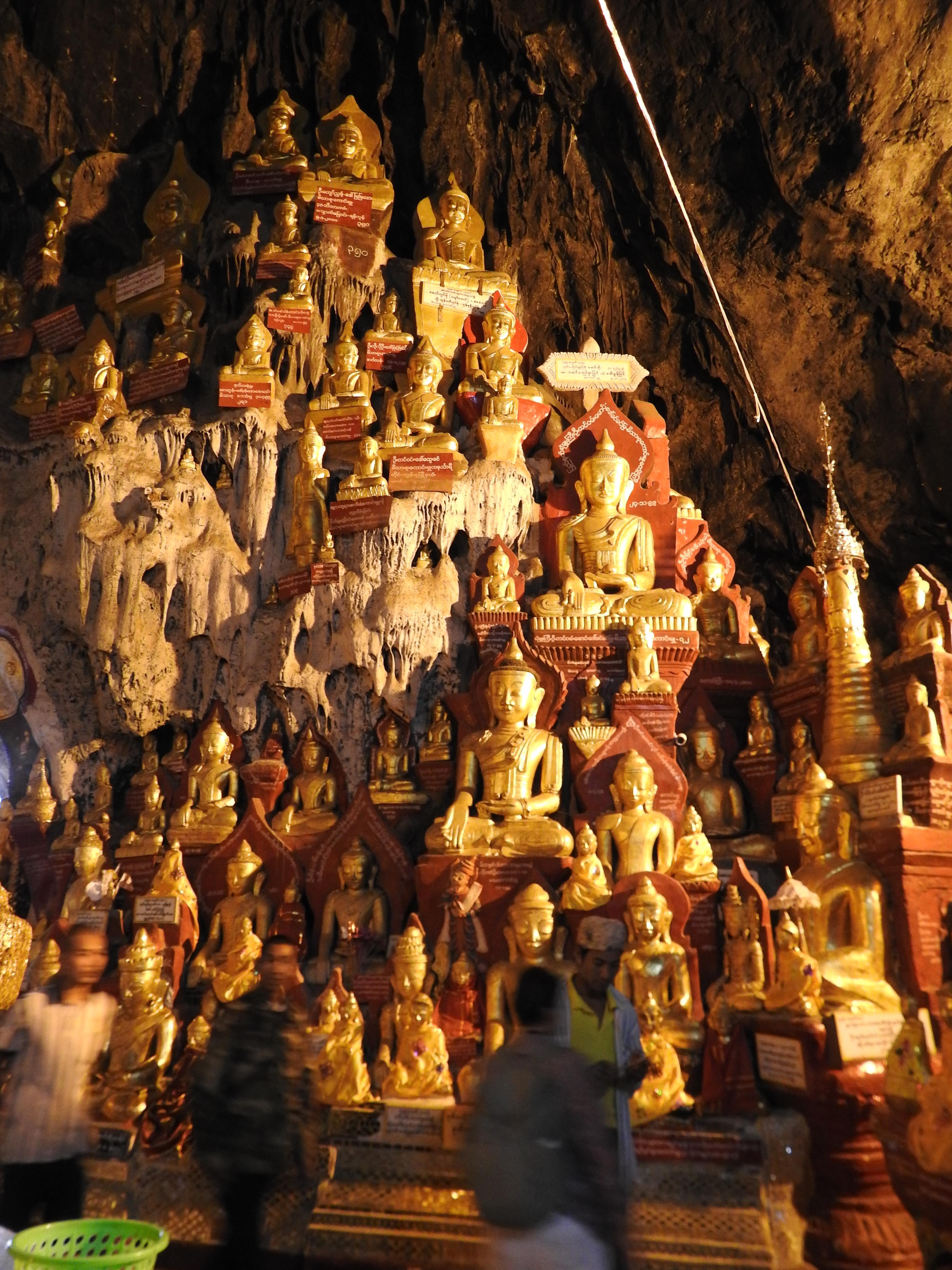 Lot of Buddhas.jpg