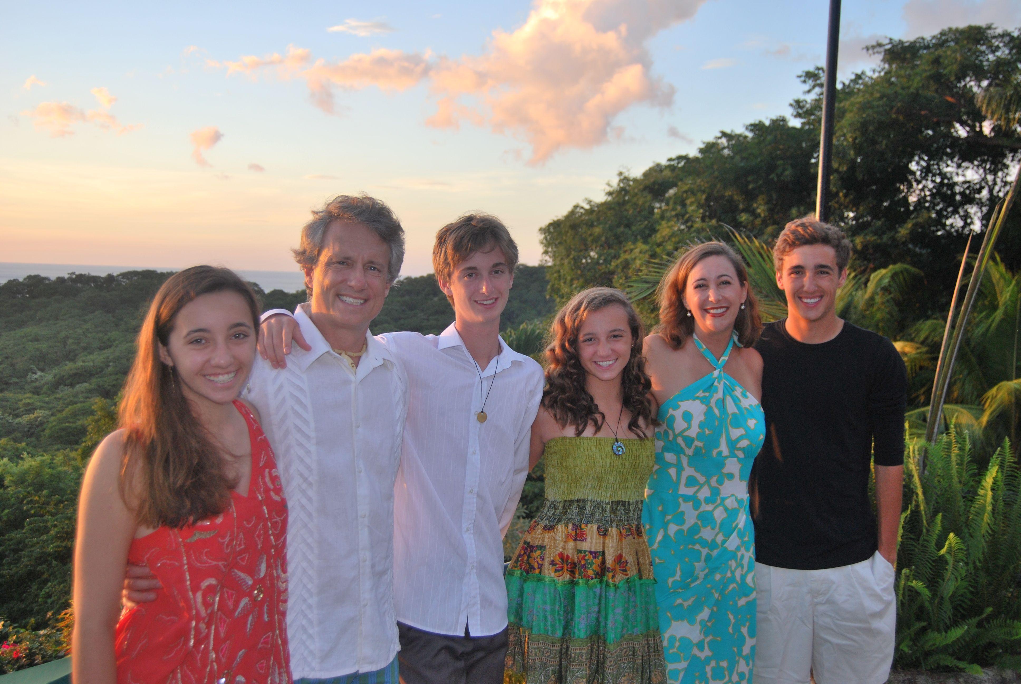 Nicaragua_Family_Pic