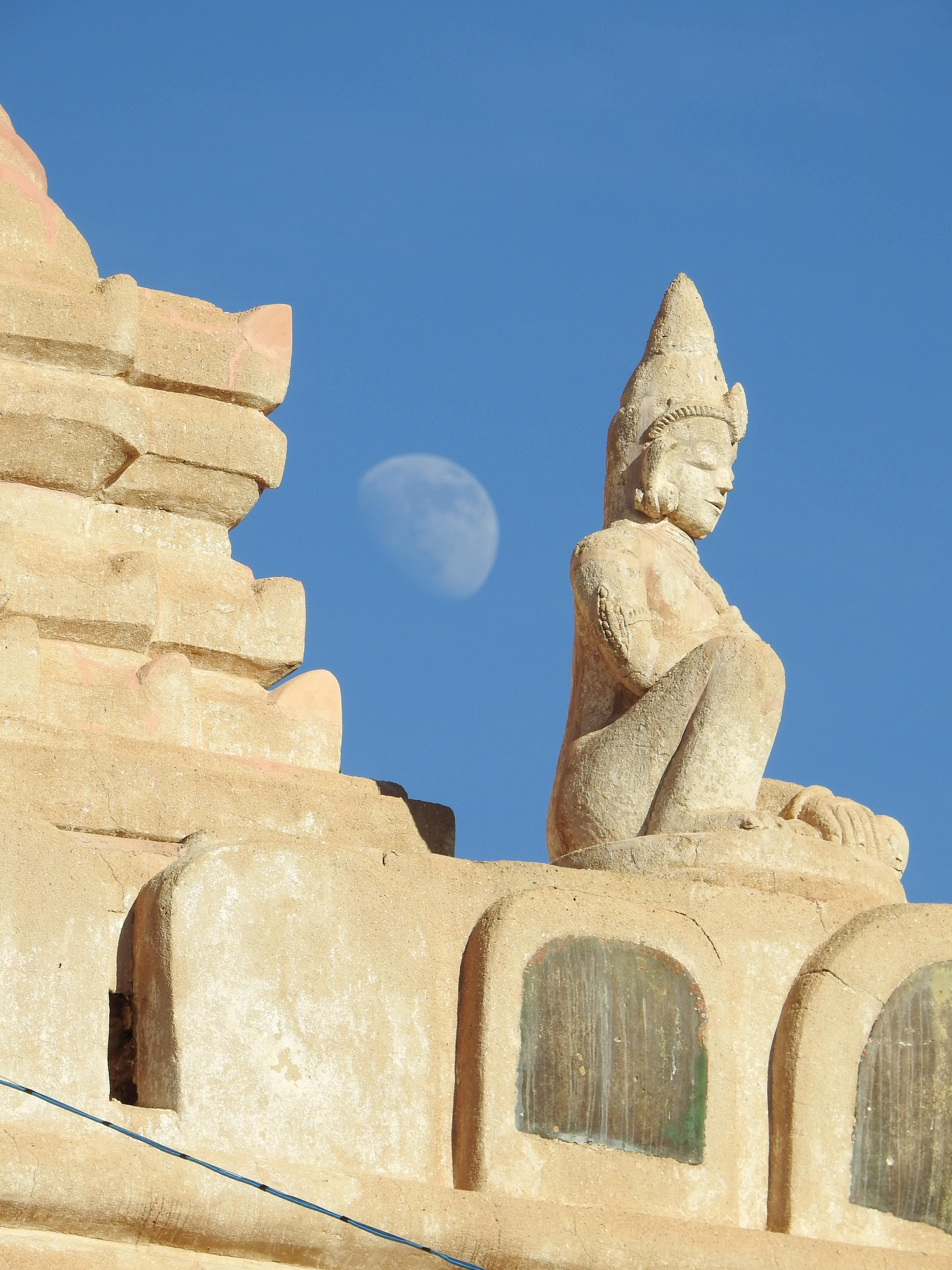 Statue and moon.jpg