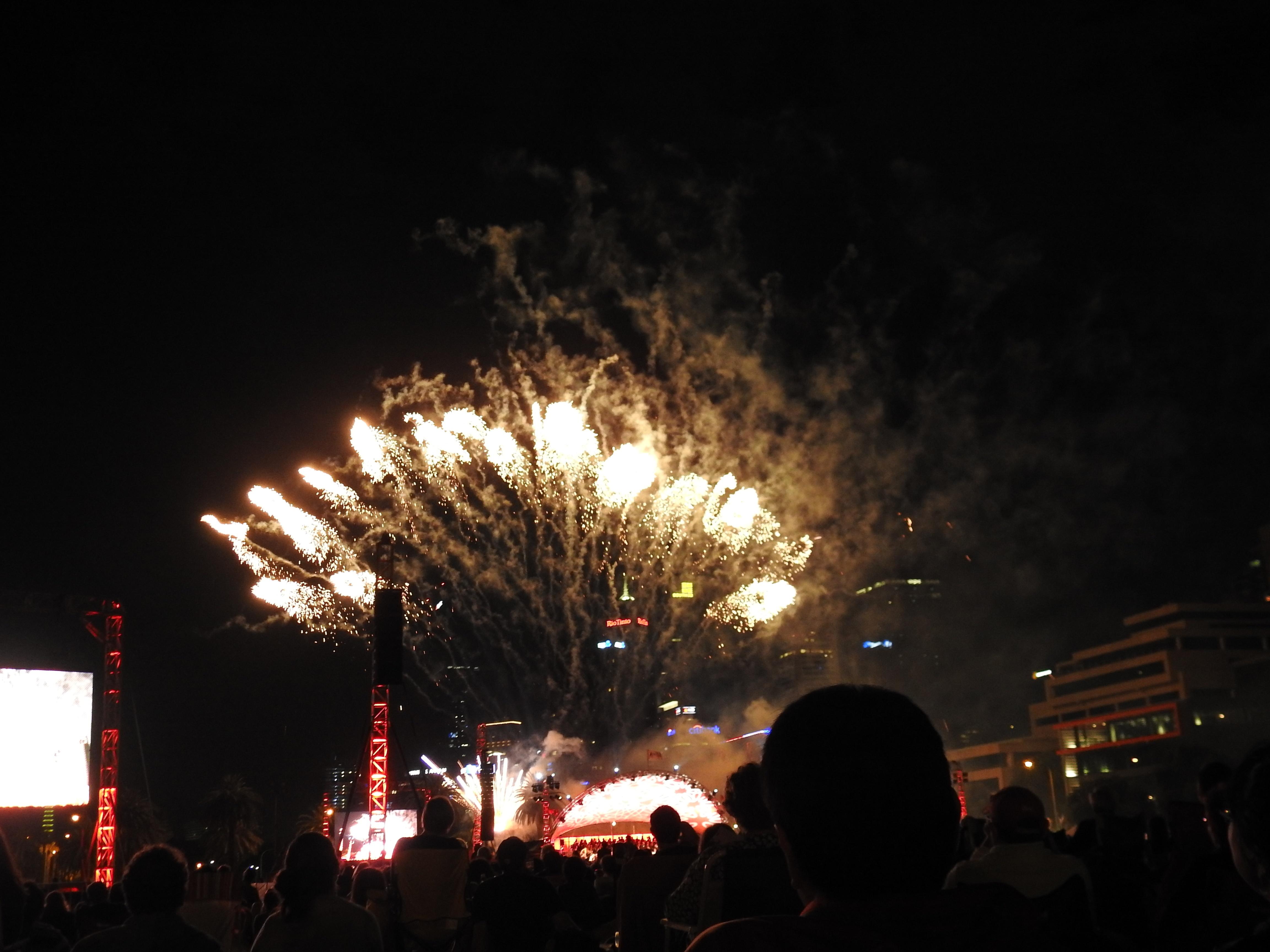 Symphony fireworks5.jpg
