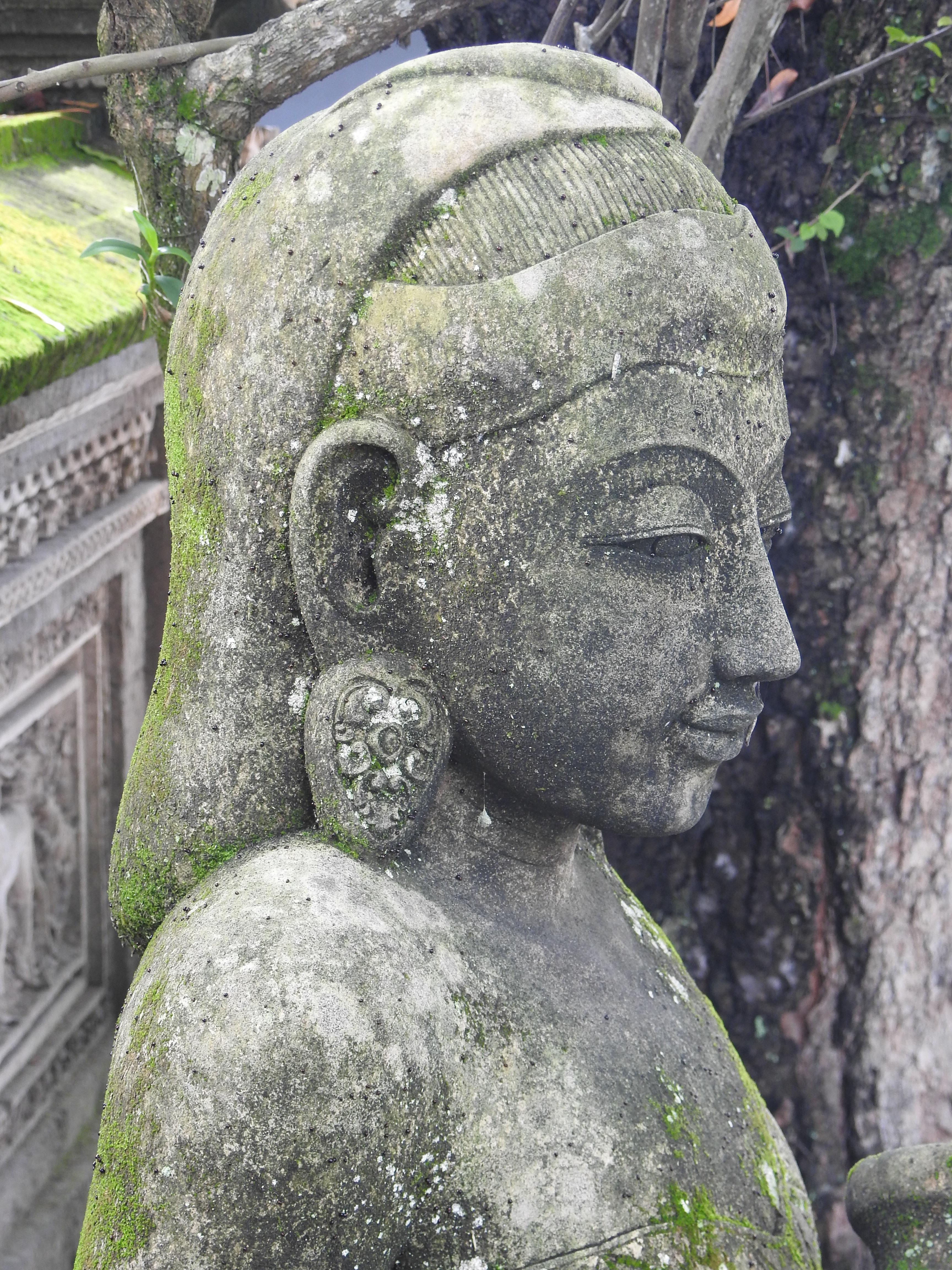 Ubud Statue.jpg